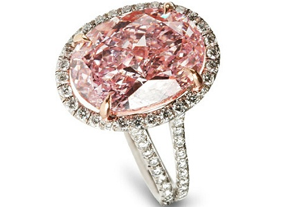 Anello con diamante rosa Fancy Intense da 5 carati