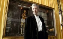 David Lynch mette in scena Cartier