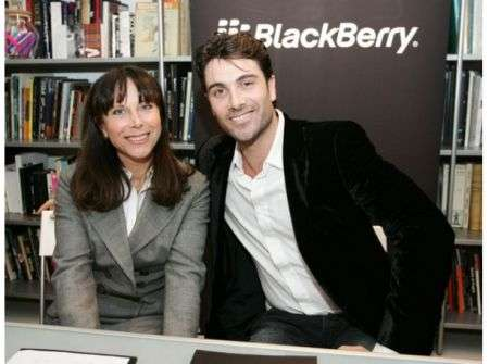 La beneficenza veste di lusso al Blackberry Charity Shop