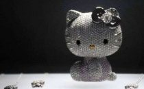 Hello Kitty: statua in diamanti per i 35 anni
