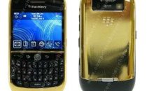 Telefoni lusso: BlackBerry 8900 Curve gold edition