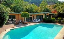 Estella Warren mette in vendita la sua casa di Beverly Hills