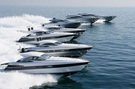 Pershing: yachts di lusso a Cannes