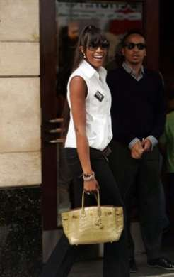 Beneficenza, all'asta la Birkin di Naomi Campbell