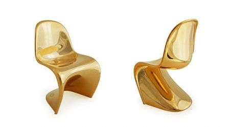 Gadgets: Panton Chair gold limited edition