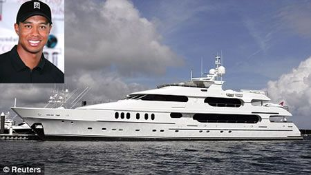 Yacht di lusso per Tiger Woods