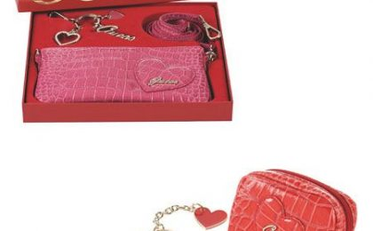 San Valentino 2010: idee regalo firmate Guess