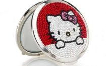 Judith Leiber: accessori in stile Hello Kitty