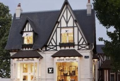 Louis Vuitton: una boutique rustica a Deauville