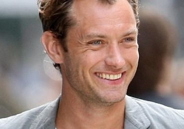Jude Law spende 3 mila dollari in creme antirughe