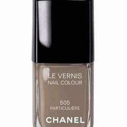 Chanel, l'introvabile smalto color 505 Particulière