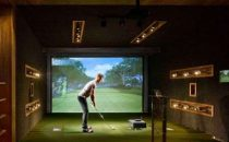 Il più grande campo da golf indoor inglese: Urban Golf