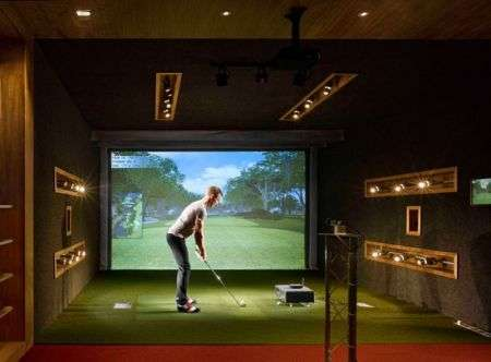 "Il più grande campo da golf indoor inglese: ""Urban Golf"""