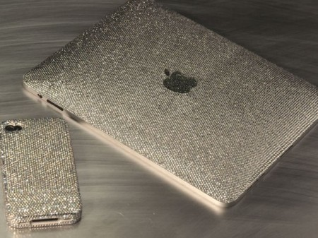 Apple: edizione limitata di Iphone4 e Ipad ricoperti di Swarovski e diamanti