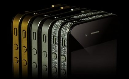 Platino, diamanti e oro per l'iPhone 4 di Goldgenie