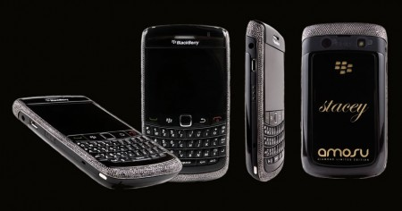 Oro e diamanti neri per il nuovo Black Diamond Blackberry by Amosu
