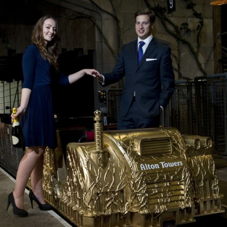William e Kate: tra i regali una vettura da montagne russe in oro massiccio