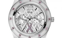 Cristalli rosa nellorologio in limited edition Sparkling Pink by Guess per la lotta al cancro