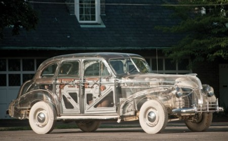 "All'asta la Pontiac Delux Six ""Ghost Car"" del 1939 in plexiglass stimata 475mila dollari"