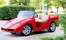 Italian Sports Car, la golf car ispirata allo stile italiano by Pennwick