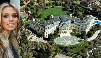85 milioni di dollari per la villa The Manor acquistata da Petra Ecclestone