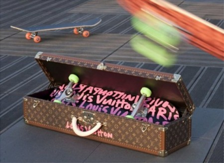 Louis Vuitton firma lo skateboard ispirato a Stephen Sprouse