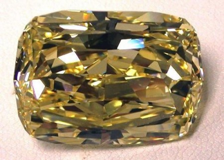All'asta per 900mila dollari uno splendido diamante giallo da 43,51 carati