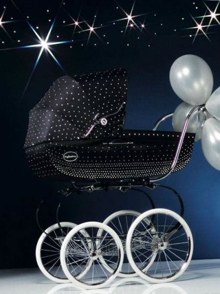 La carrozzina Inglesina by Swarovski Elements e Vogue Bambini