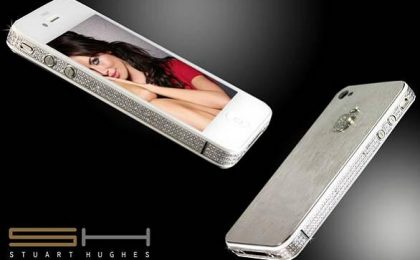 Platino e diamanti nell'iPhone 4S 'Diamonds&Platinum' by Stuart Hughes