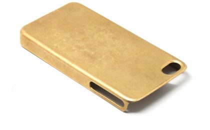 Oro a 14 carati per la cover dell'iPhone by Michael Saiger per Miansai