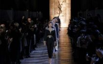 Yves Saint Laurent autunno-inverno 2012/2013 alla Paris Fashion Week [FOTO]