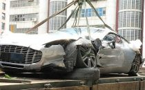La Aston Martin One-77 in edizione limitata distrutta in un incidente