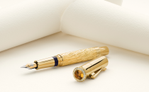 Graf von Faber-Castell presenta The Pen of the Year 2012 in oro e diamanti
