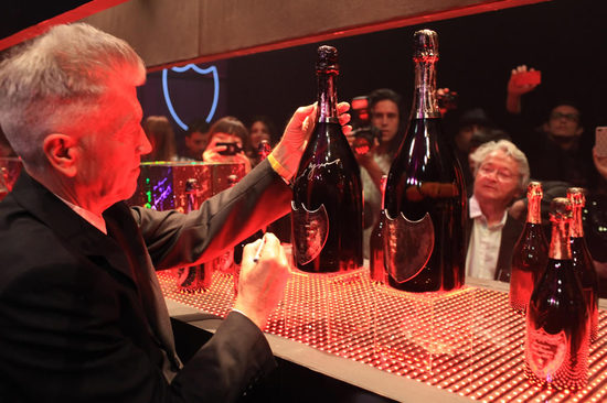 Dom Pérignon e David Lynch per bottiglie di champagne in limited edition [VIDEO]