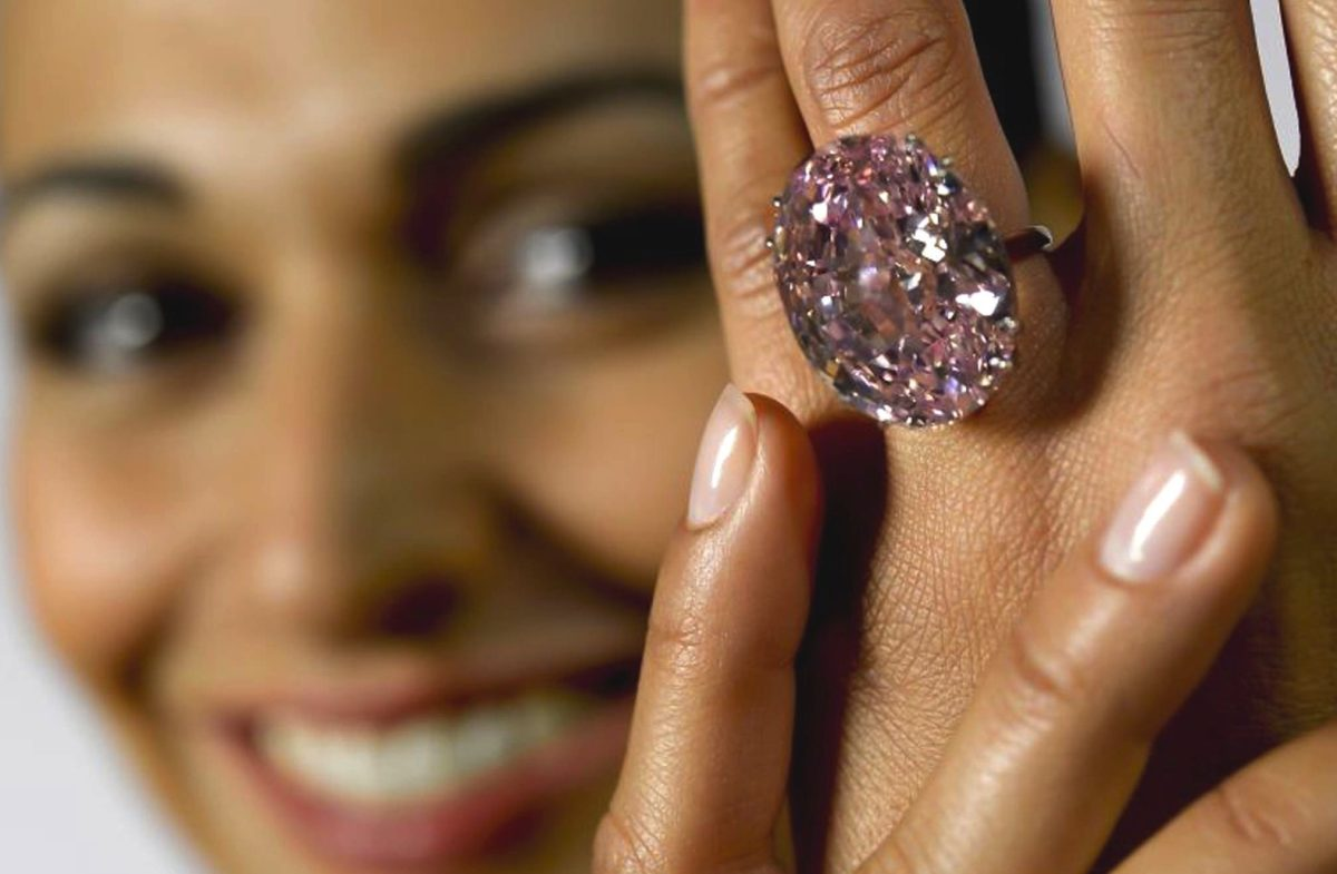 Il diamante Pink Star torna all'asta da Sotheby's