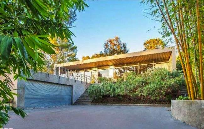 Zac Efron vende casa a Hollywood, nuova villa a Los Angeles per l'attore [FOTO]