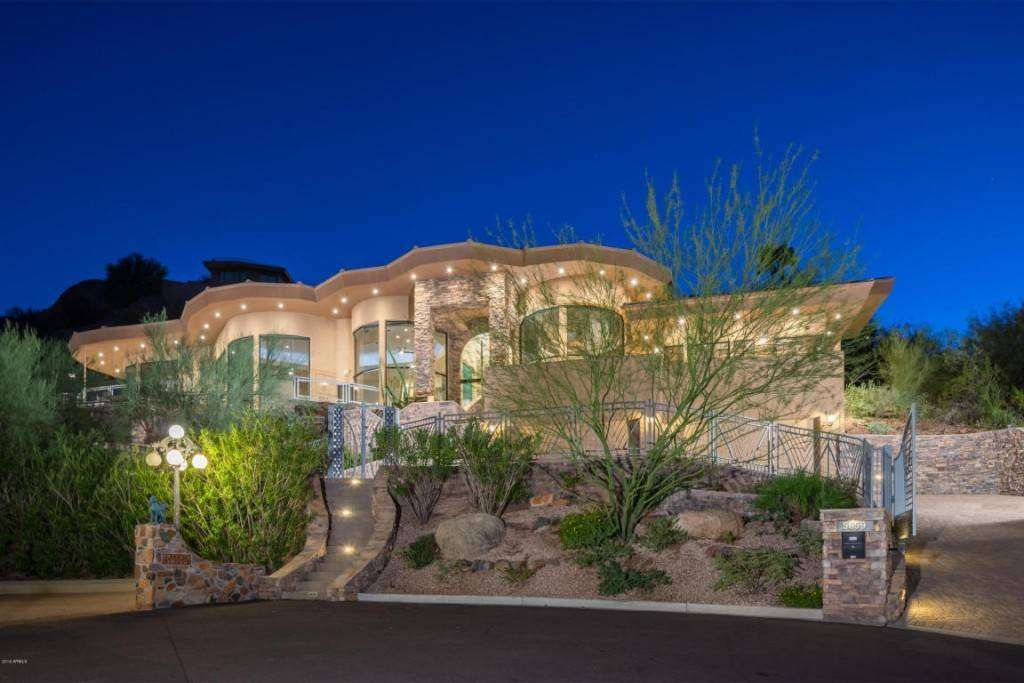 Alicia Keys vende la sua magnifica casa in vetro in Arizona [FOTO]