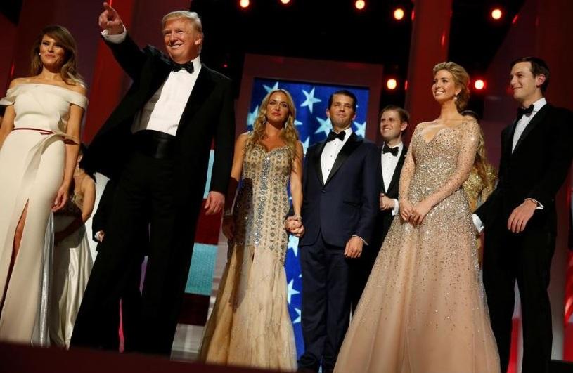 La famiglia Trump sul palco