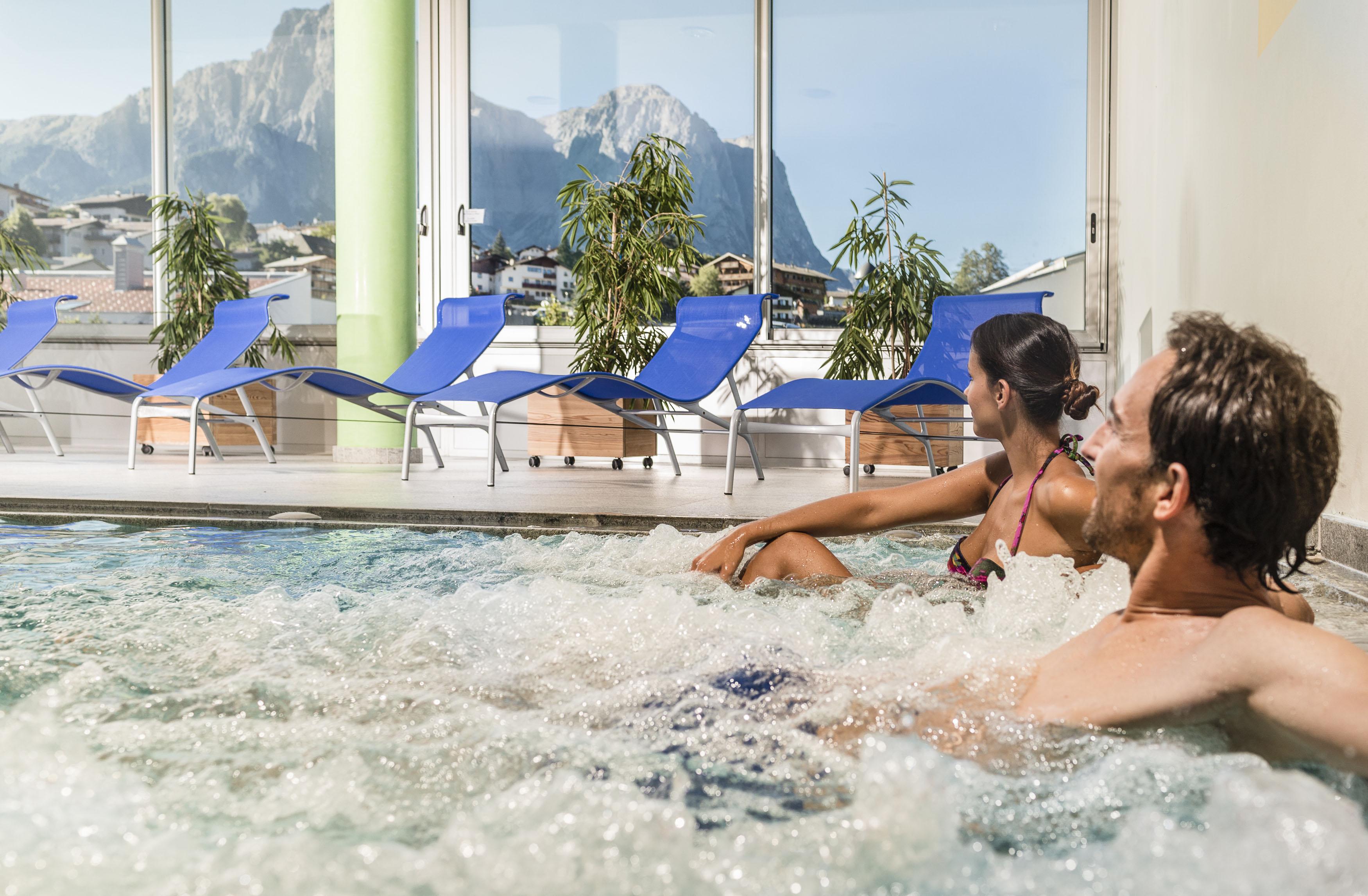 san valentino 20128 spa lusso hotel schgaguler piscina coperta con idromassaggio 21814