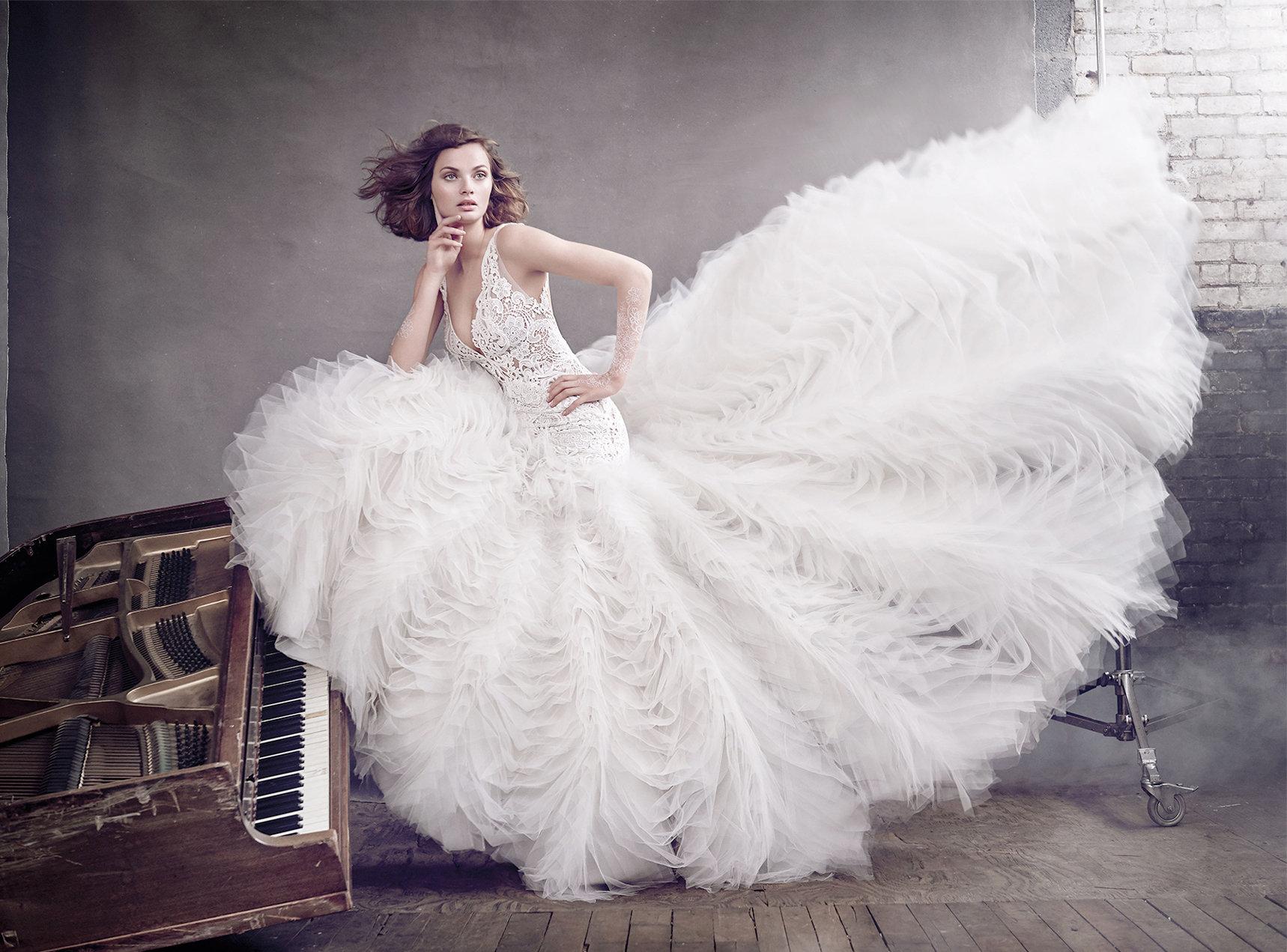 Abiti da sposa di lusso total white 2017