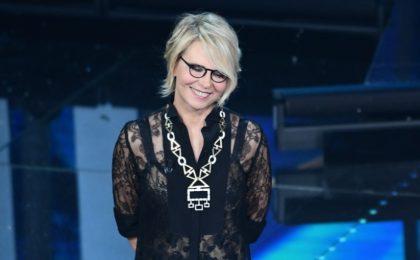 Sanremo 2017, i gioielli di Maria De Filippi sul palco dell'Ariston