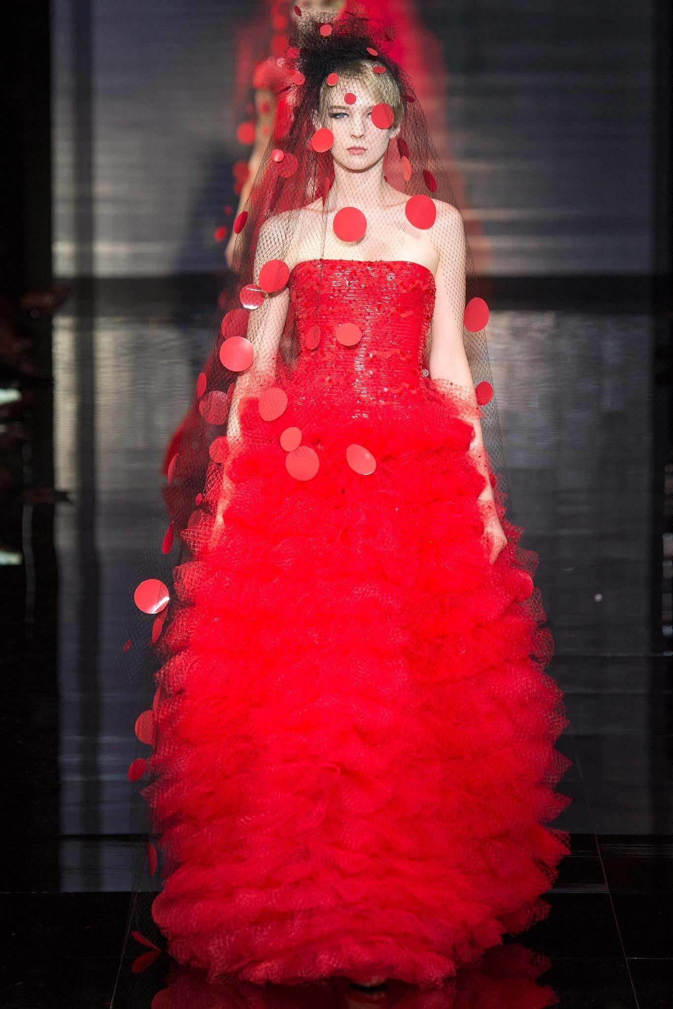 Abito da sposa rosso Fall 2014