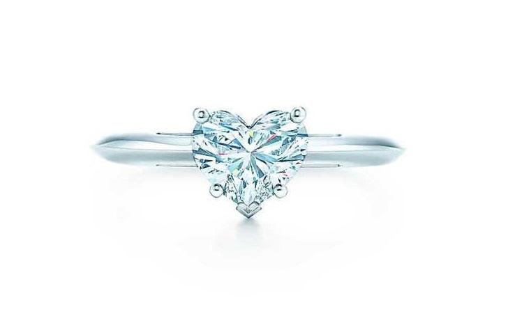 Anello Tiffany con diamante a cuore