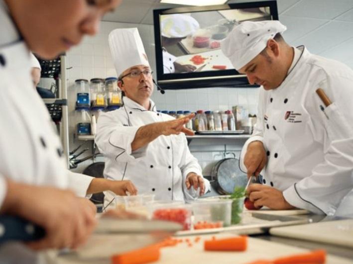 Accademia di cucina a convivio nel paese u il corriere