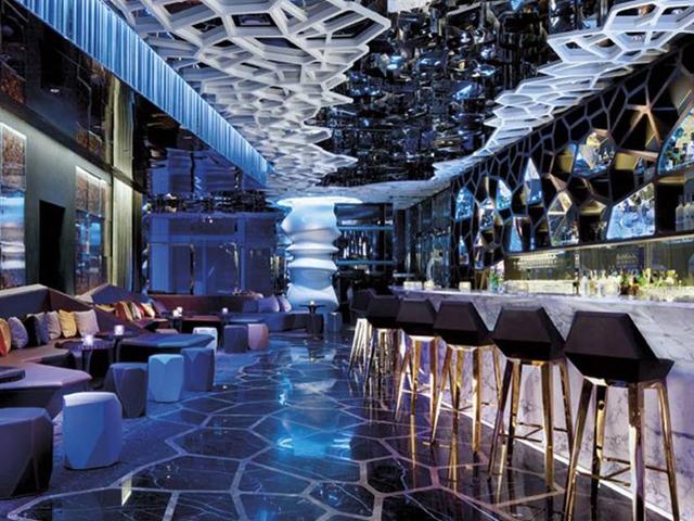 bar terrazza Ozone_Hong Kong