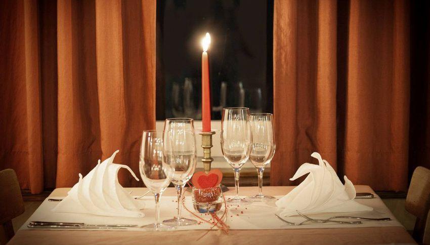 Galateo al ristorante: la guida su come comportarsi