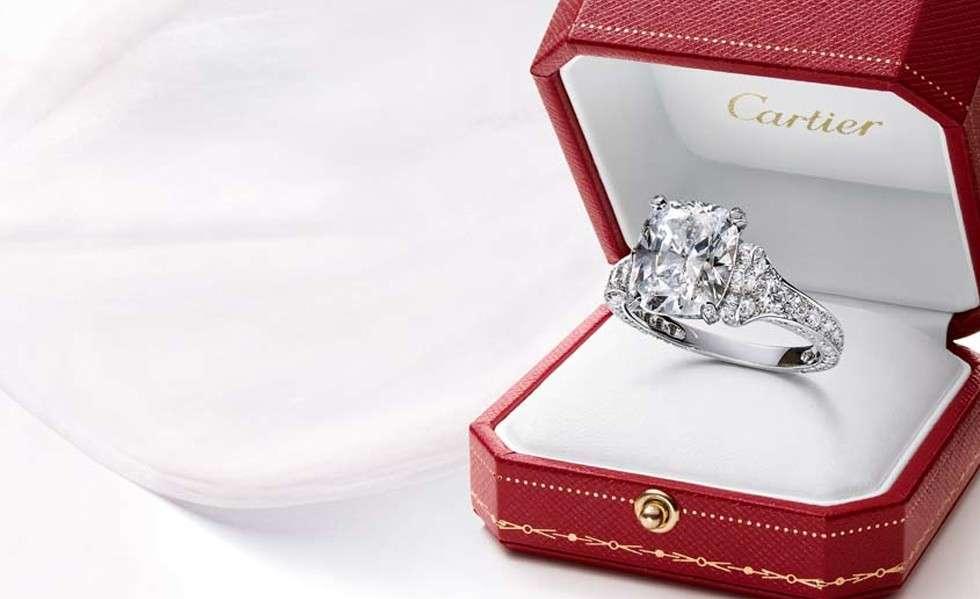 Anelli di fidanzamento Cartier: i gioielli perfetti per suggellare un'amore [FOTO]