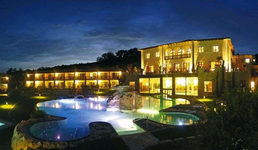 Resort di lusso in Italia: charme e relax per un soggiorno esclusivo [FOTO]