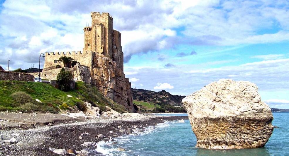 Castello Federiciano – Roseto Capo Spulico