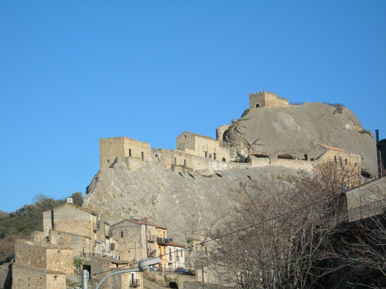 Il borgo di Sperlinga